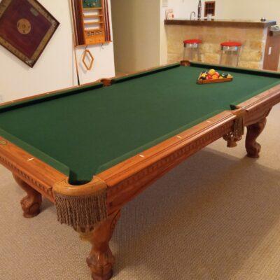 American Heritage pool table, 8'.