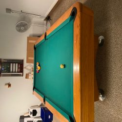 8 '. Diamond Pro pool table